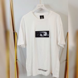 """new!!!white""""eyes on you""""t-shirt"""